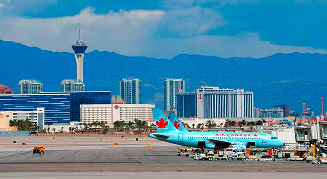 air-canada-airline-plane-at-mccarran-las
